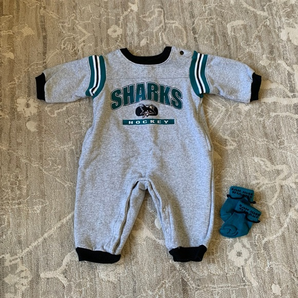 Louis Blues Baby Girls Romper Size 6//9M 6//9 Mo Coverall Creeper NEW St